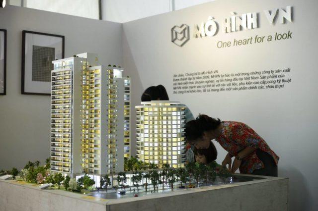 mo-hinh-kien-truc-du-an-Vietbuild_mo-hinh-chuyen-nghiep_-lam-mo-hinh-lam-sa-ban-kien-truc_ Architectural-Scale-Model-Maker_scale-model_diorama_mohinhvn (5)